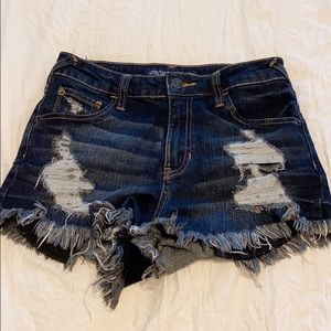 Brand new denim shorts! 🦋